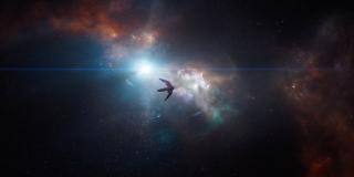 Z kształtu statku, którym podróżuje Stark, można wnioskować, że jest to należący wcześniej do Strażników Galaktyki Benatar; Tony (a wraz z nim najprawdopodobniej Nebula) próbuje dostać się na Ziemię