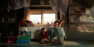 """W filmie """"Koniec gry"""" zobaczymy przeskoki czasowe - m.in. starszą wersję Cassie Lang"""