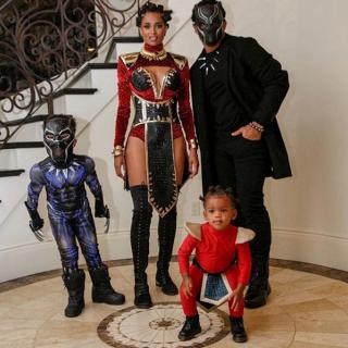 Ciara z rodziną (Czarna Pantera)