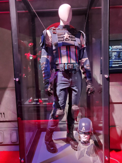 Marvel's Avengers - kombinezon Kapitana Ameryki