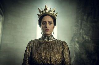 Królowa Calanthe (Jodhi May) - znana także jako Lwica z Cintry, matka Pavetty i babka Cirilli. W opowiadaniach wynajmuje wiedźmina Geralta, aby ten uporał się z Jeżem z Erlenwaldu. Ostatecznie akceptuje go jako zięcia i przyjmuje oświadczyny Eista, co umożliwia sojusz ze Skellige.