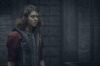 Renfri (Emma Appleton) - zwana także Dzierzbą. Była pierworodną córką Fredefalka, księcia Creyden, z pierwszego małżeństwa. Jedna z mutantek powstałych w wyniku Przekleństwa Czarnego Słońca. Obiecała sobie zemstę na Stregoborze, który miał ją zlikwidować. Dlatego też w opowiadaniach razem ze swoją bandą przybywa do Blaviken, gdzie czarodziej ukrywa się w wieży.
