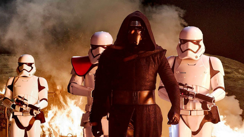 Nowy kostium Kylo Rena w filmie Gwiezdne Wojny: Część VIII
