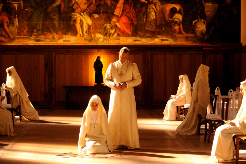 Młody papież: sezon 1, odcinek 3 i 4 – recenzja