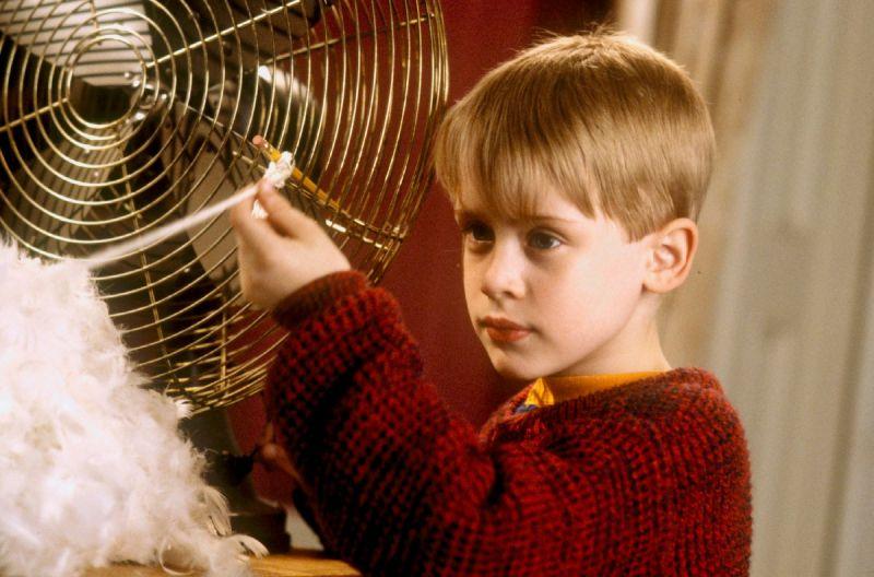 American Horror Story - Macaulay Culkin na zdjęciu z planu. Powrót gwiazdy filmu Kevin sam w domu