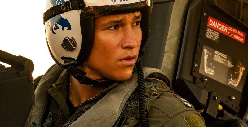 Top Gun Maverick - nowi piloci na zdjęciach z filmu
