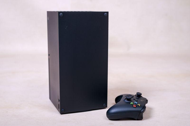 Konsole Xbox Series X/S obsłużymy pilotem do telewizora