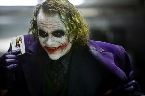 Mroczny Rycerz – Warner Bros nie rozumiało, czemu Heath Ledger zagra Jokera