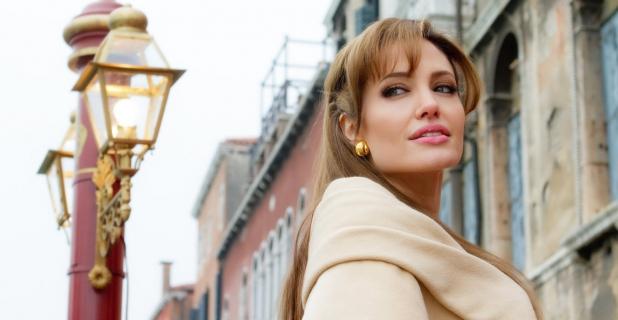 """Angelina Jolie, czyli """"ta wszechstronna, rozpieszczona smarkula"""""""