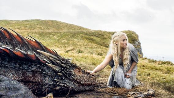 """""""Gra o tron"""": Emilia Clarke o przemocy wobec kobiet w serialu HBO"""