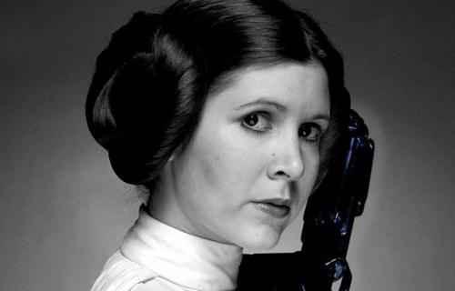 """""""Księżniczka po przejściach"""" – Carrie Fisher pisze nie tylko o Lei"""
