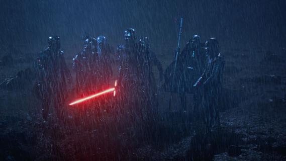 Nowe sceny z filmu Gwiezdne Wojny: Przebudzenie Mocy i informacje o Skywalkerze