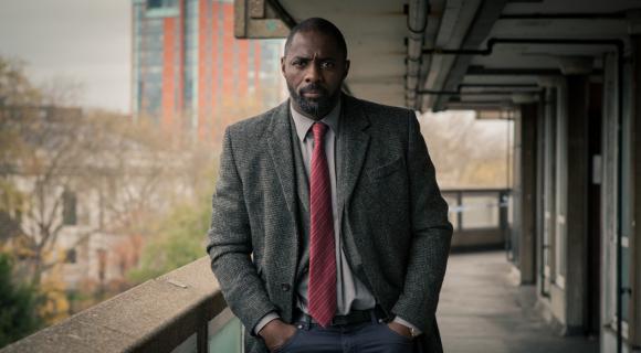 Idris Elba zdradza, że filmowa wersja serialu Luther powstanie