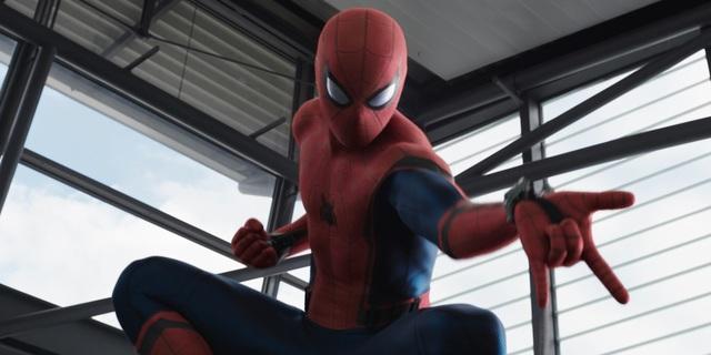 Spider-Man: Homecoming – Pajączek na nowym zdjęciu. Obok Smerfetka