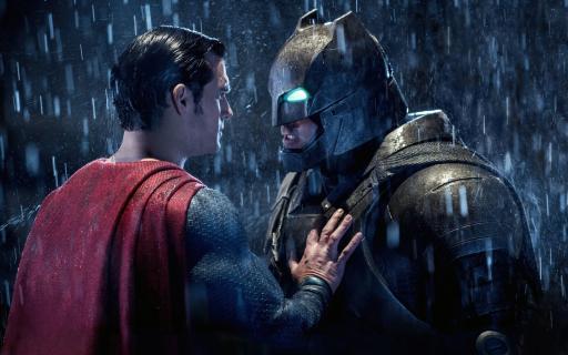 Strażnicy wpłynęli na zły odbiór Batman v Superman? Tak uważa Dave Gibbons