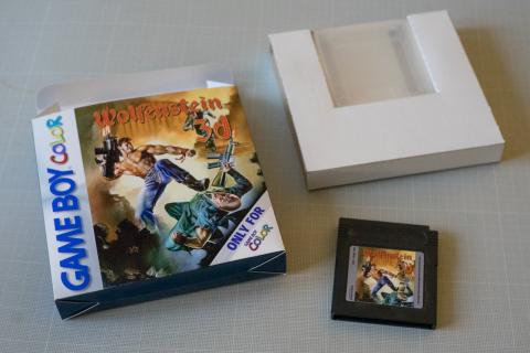 Fan uruchomił grę Wolfenstein 3D na konsoli Gameboy Color