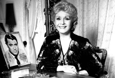 Debbie Reynolds nie żyje. Odeszła legenda kina i matka Carrie Fisher