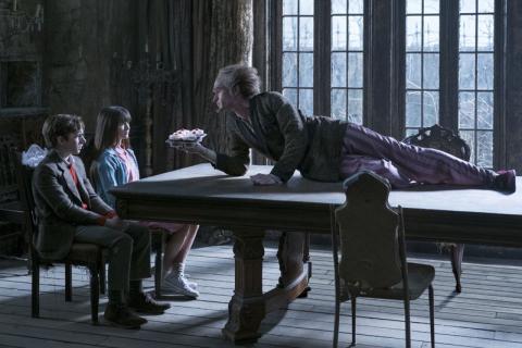 Seria niefortunnych zdarzeń: sezon 1, odcinki 1-4 – recenzja serialu Netflixa