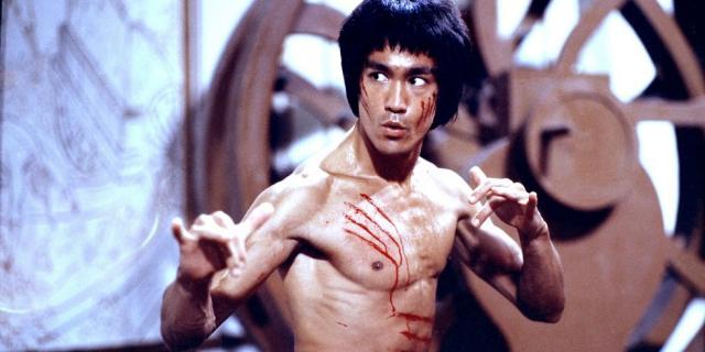 Wściekłe pięści biją zza grobu. Jak Bruce Lee pokonał śmierć