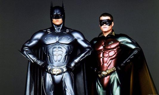 Czy Batman i Robin to kino gejowskie? Reżyser komentuje