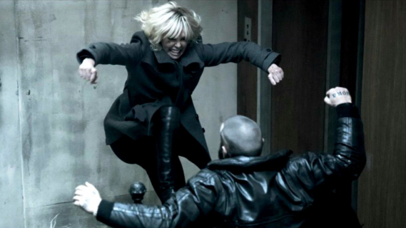Czy walka na schodach w Atomic Blonde była kręcona na jednym ujęciu?