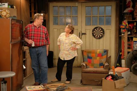 Aktorzy z serialu Roseanne o zignorowaniu poprzedniego zakończenia. Nowy plakat