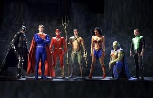 Justice League: Mortal - interesujący szczegół kostiumu Supermana z filmu
