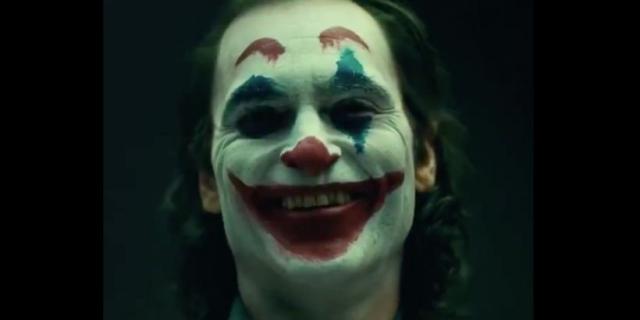 Joker – postać Joaquina Phoenixa może być inspirowana filmem Mroczny Rycerz