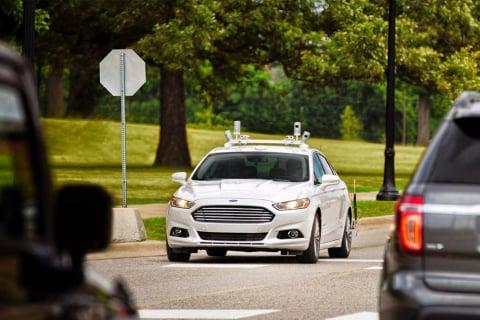 Ford chce, aby inteligentne samochody były sterowane poprzez smartfona
