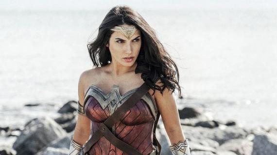 Ta cosplayerka Wonder Woman wygląda zupełnie jak Gal Gadot