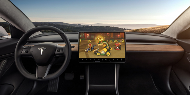 Elon Musk chciał zainstalować Mario Kart w Tesli