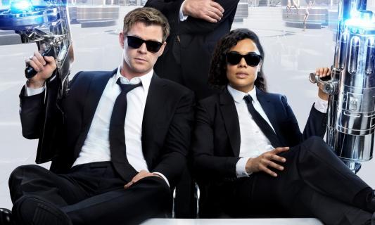 Men in Black International – Hemsworth i Thompson na nowym zdjęciu z filmu