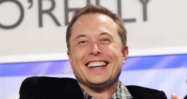 Elon Musk obawia się sztucznej inteligencji