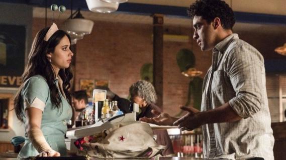Roswell, w Nowym Meksyku: sezon 1, odcinki 2-4 – recenzja
