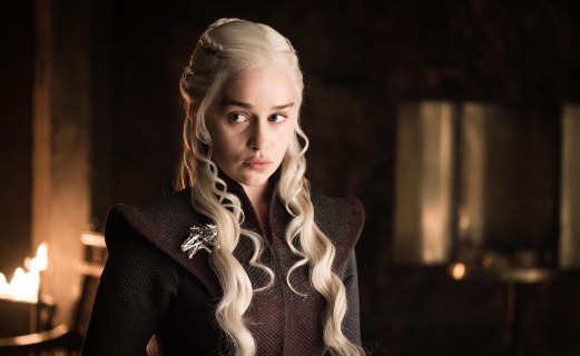 Gra o tron - Emilia Clarke tłumaczy, kto naprawdę odpowiada za wpadkę z kubkiem