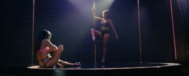 Ślicznotki - nowy zwiastun filmu. Jennifer Lopez i jej ekipa striptizerek okradają bogaczy z Wall Street