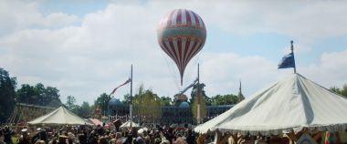 The Aeronauts - zwiastun filmu. Amazon o badaniu pogody w balonie w XIX wieku