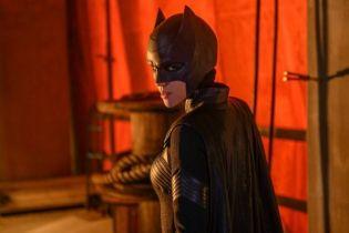 Batwoman - bohaterka na nowym plakacie serialu