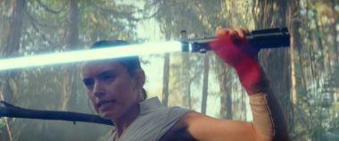 Gwiezdne Wojny: Skywalker. Odrodzenie - plotki o nazwisku Rey, jej mocach i dokrętkach