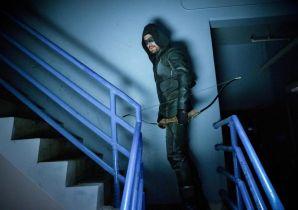 Arrow - plakat finałowego sezonu serialu od The CW