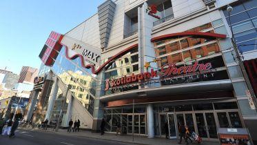 Kanadyjska sieć kin odmawia pokazywania u siebie filmów Netflixa i Amazona