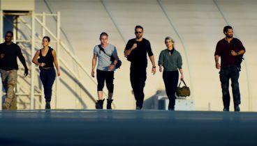 6 Underground - Ryan Reynolds i dużo wybuchów. Zwiastun filmu Michaela Baya