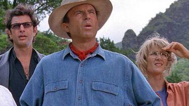 Jurassic World: Dominion - trio z oryginalnego Parku Jurajskiego na nowym zdjęciu zza kulis filmu