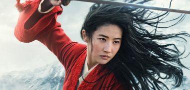 Mulan - plakat nowego filmu Disneya. Bohaterka gotowa do walki