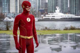 Flash, Supernatural i Wampiry: Dziedzictwo - finały seriali przesunięte. Premiera Stargirl później