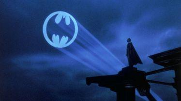 Batman vs. koronawirus. Po Meksyku jeździ Batmobil, który zachęca do kwarantanny