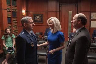 Siły Kosmiczne - data premiery i pierwsze zdjęcia z nowego serialu Netflixa z solidną obsadą