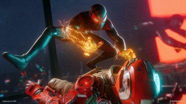 Marvel's Spider-Man: Miles Morales - wspólny trening Milesa i Petera Parkera na nowych materiałach