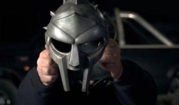 Russell Crowe w Gladiatorze 2? Aktor trolluje fanów i promuje film Nieobliczalny