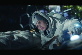 Niebo o północy - George Clooney zmienił scenariusz filmu specjalnie dla Felicity Jones